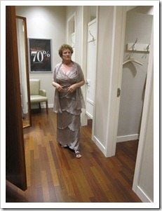 20120709_mom-dress-shopping_008