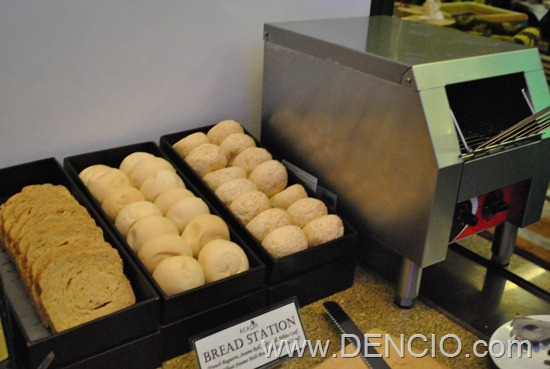 Acaci Cafe Buffet Acacia Hotel Manila 54