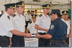 El acto finalizó con la entrega de distinciones a los policías que se destacaron en su labor durante el año.