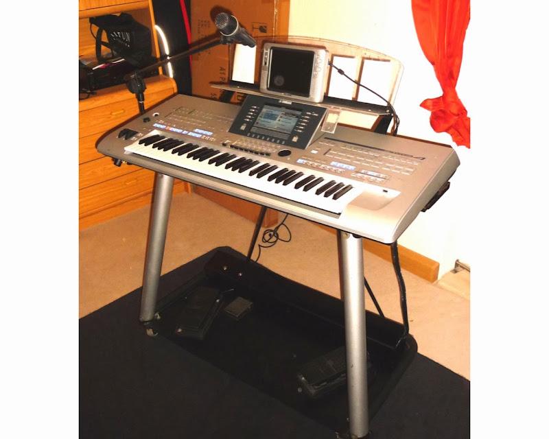 yamaha l7s keyboardstaender speziallumbau fuer yamaha. Black Bedroom Furniture Sets. Home Design Ideas