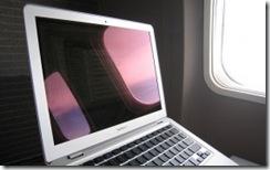 飛行機の中でもwi-fi