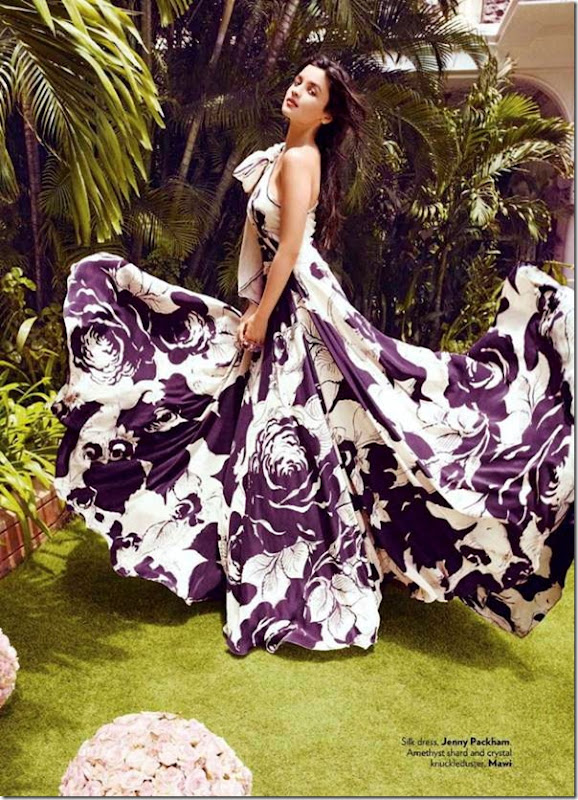 Alia-Bhatt-Latest-Photoshoot-for-Vogue-Magazine-September-2012-[mastitime247.blogspot.com]9