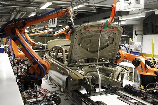 2012-BMW-3-Series-04.jpg