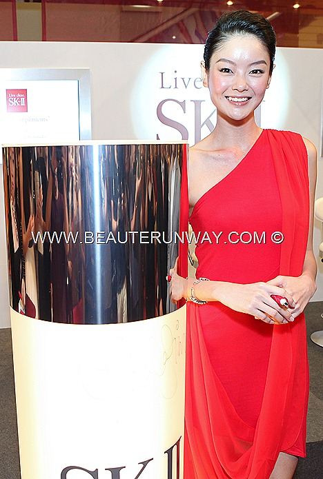 SHEILA SIM SK-II NEW GLOBAL BRAND AMBASSADOR Cate Blanchett, Qi Qi Li Sin Jie Carina Lau GLOW  FACIAL TREATMENT ESSENCE Flawless Skin