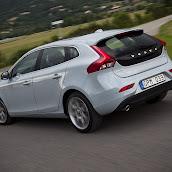 2013-Volvo-V40-HB-4.jpg