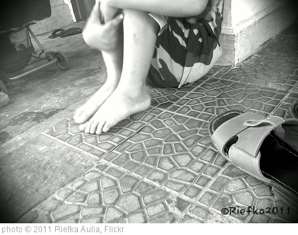 'Lonely' photo (c) 2011, Riefka Aulia - license: http://creativecommons.org/licenses/by-sa/2.0/