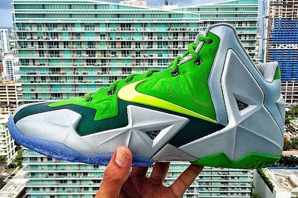 Two Super Rare LeBron 11 PEs 8211 Gloria 038 Silver  Green