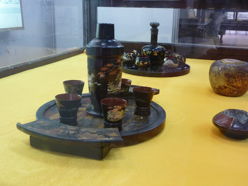 A Nguyen tea set, just for John!