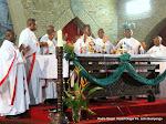 Des évêques catholiques, lors d  une messe officiée par le cardinal Laurent Mosengwo Pasinya (au centre) le 12/1/2012 à la Cathédrale Notre Dame du Congo. Radio Okapi/ Ph. John Bompengo