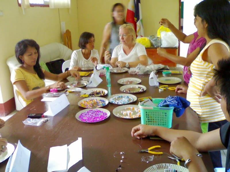 hantverksprojekt kvinnor bord