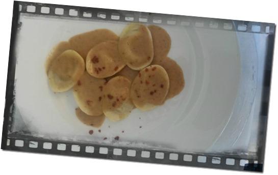 Fotografia del piatto Raviolis de foie con crema de hongos y crujiente de jamòn san sebastiàn