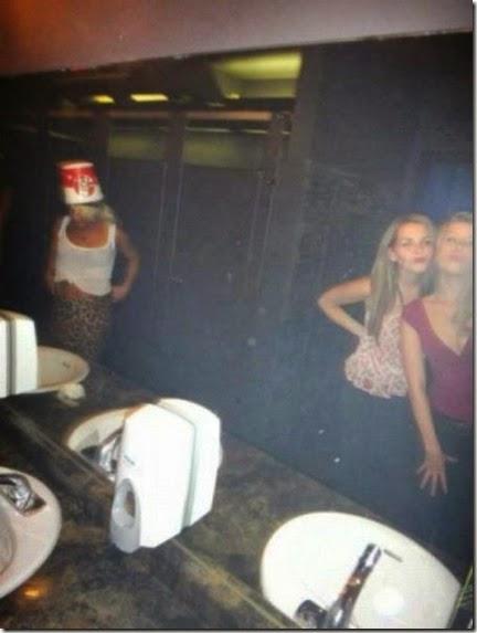 bathroom-craziness-021