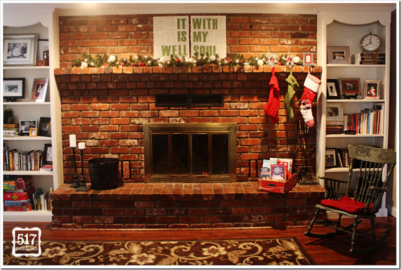 christmas_decorations_fireplace