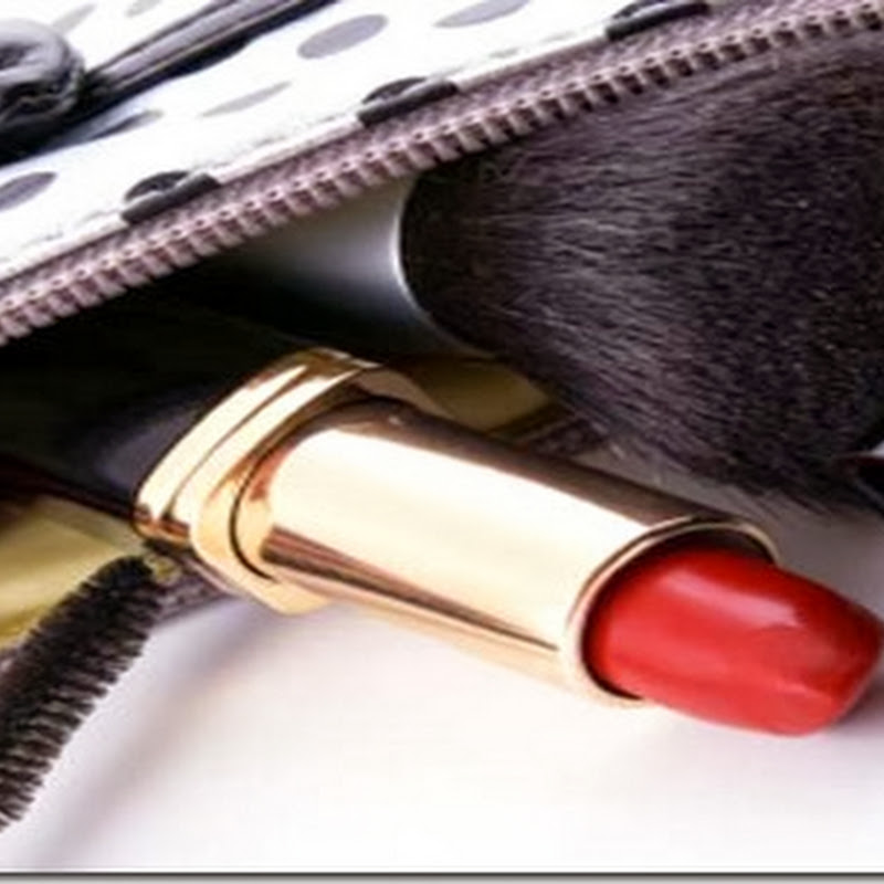 What Every Girl Should Have In Her Makeup Bag