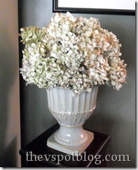 dried flower, arrangement, hydrangea, green, white