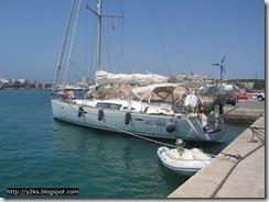 In attesa del maestrale, Y2K in porto - Lampedusa