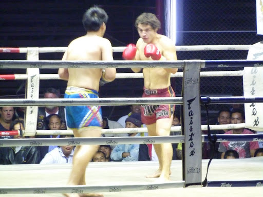 The obligatory Farang fight!