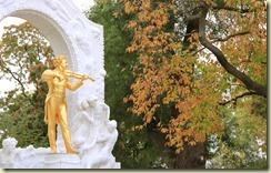 04.Estatua de Johann Strauss en el Stadpark de Viena