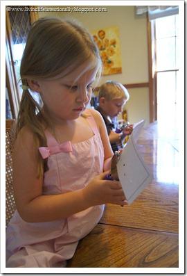FREE Printable Hole PUnching Math Game for Preschool & Kindergarten