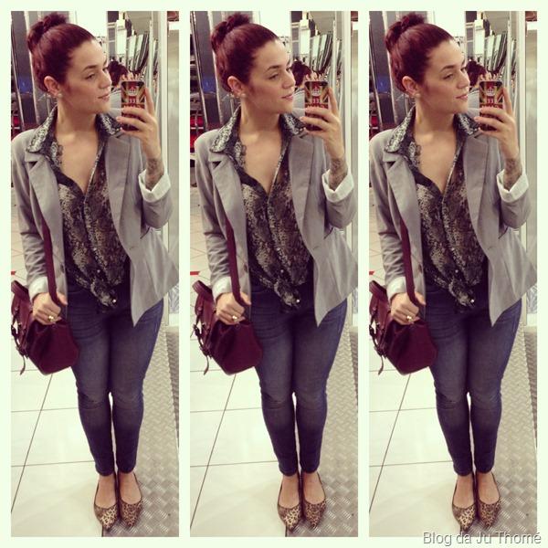look jeans, camisa estampada e blazer cinza