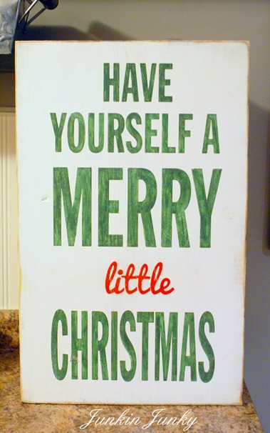 Merry Little Christmas sign at www.junkinjunky.blogspot.com