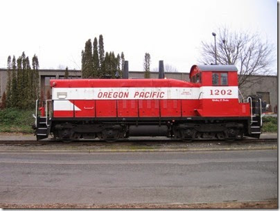 IMG_5329 Oregon Pacific SW1200RSu #1202 in Milwaukie on January 24, 2009