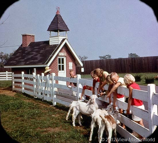 View-Master Dutch Wonderland (A634), Scene 11: The Little Red Schoolhouse