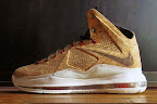 nike lebron 10 gr cork championship 13 01 @KingJames Wears NSWs Nike LeBron X Cork Off the Court