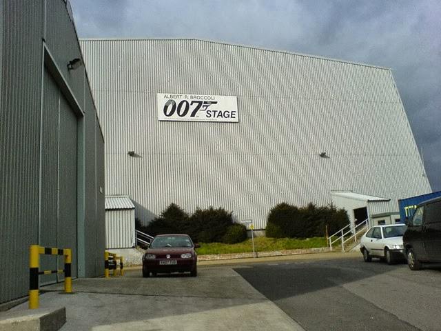 007_Stage
