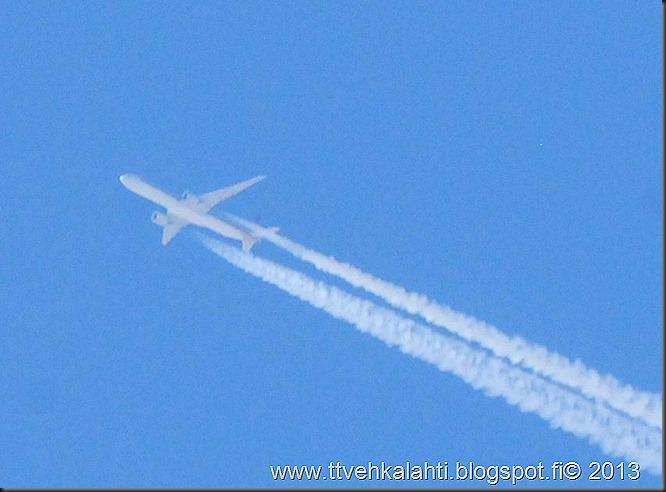 varpunen lentokone valokuvaaja timanteja hangella 021