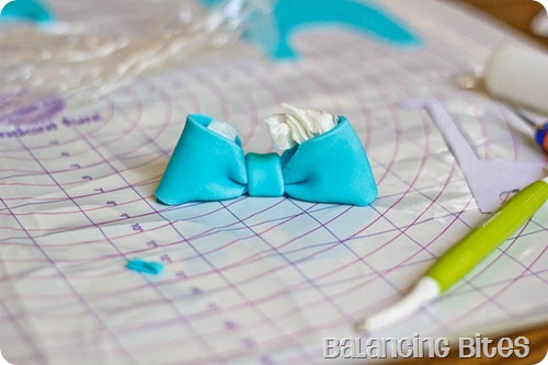 How to make a fondant or gum paste bow by Balancing Bites (14 of 23)