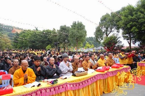 Thời sự tin tức Phật gáo thế giới - Người Áo Lam - 012