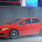 2013-Honda-Civic-Sedan-Si-3.jpg