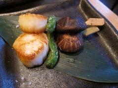 Hotate Kushiyaki: scallop shitake mushroom shishito skewer