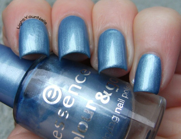 Essence Gleam in Blue