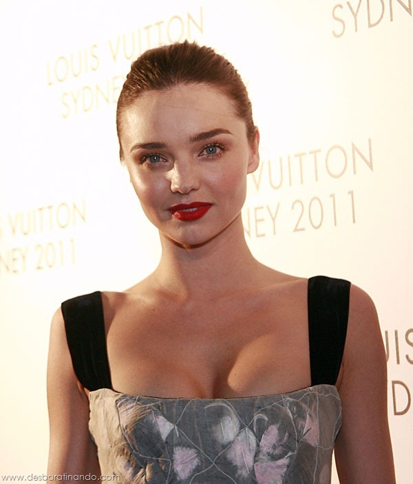 miranda-kerr-linda-sexy-sensual-model-boobs-ass-lingerie-desbaratinando (152)