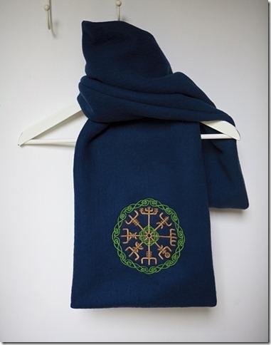 Celtic Runes scarf03
