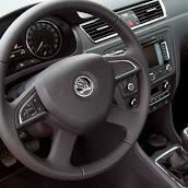 2013-Skoda-Rapid-Sedan-Details-14.jpg