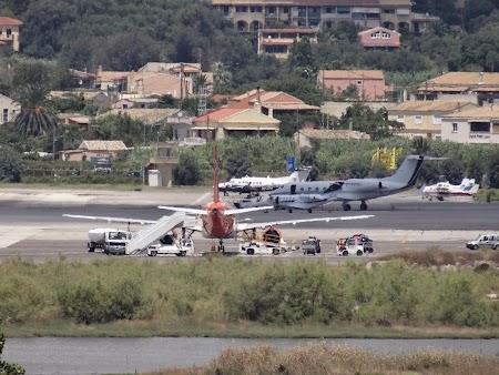 Imagini Kanoni: Avioane la Corfu