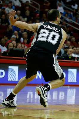 wearing brons nba lebron9 freegums manu ginobili 24 Will Manu Ginobili Lace Up His Favorite LeBrons in the NBA Finals?