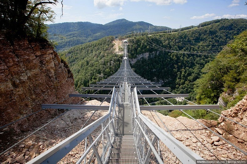 sochi-suspension-bridge-3