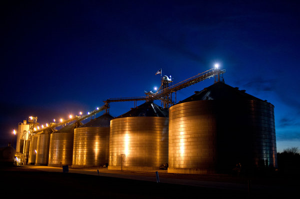Corn storage at the ethanol plant in Macon, Missouri, which stopped operating in January. Officials have vowed to reopen it, and it is undergoing renovations. Photo: Daniel Acker / The New York Times