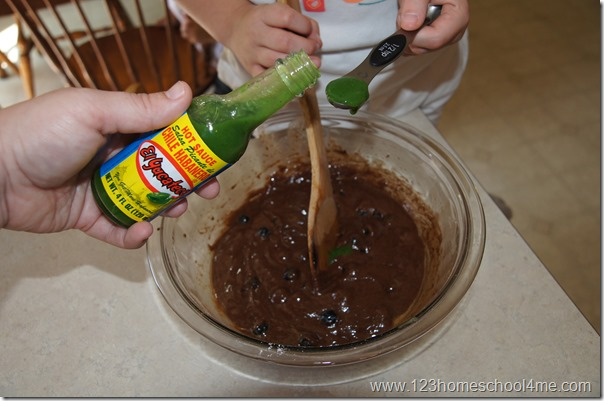 El Yucateca Green Sauce is my brownies secret ingredient! #SauceOn #CollectiveBias #shop