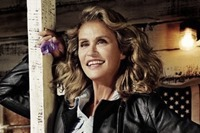 lauren-hutton-lucky-brand