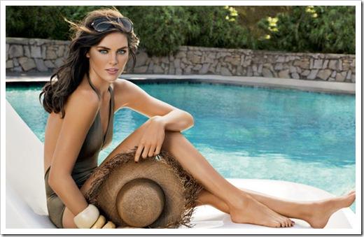 estee-lauder-bronze-goddess-summer-2011-m-sitting