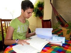 3 - 400x300 - Jovem com hidrocefalia é aprovada para letras em universidade de Goiás