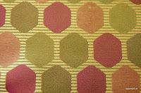 Tkanina ozdobna w geometryczne wzory. Na zasłony, poduszki, narzuty, dekoracje. Zielona, różowa.