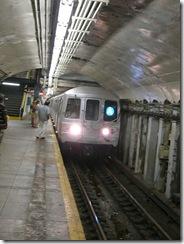 Tren A en la calle 190, por Ad Meskens