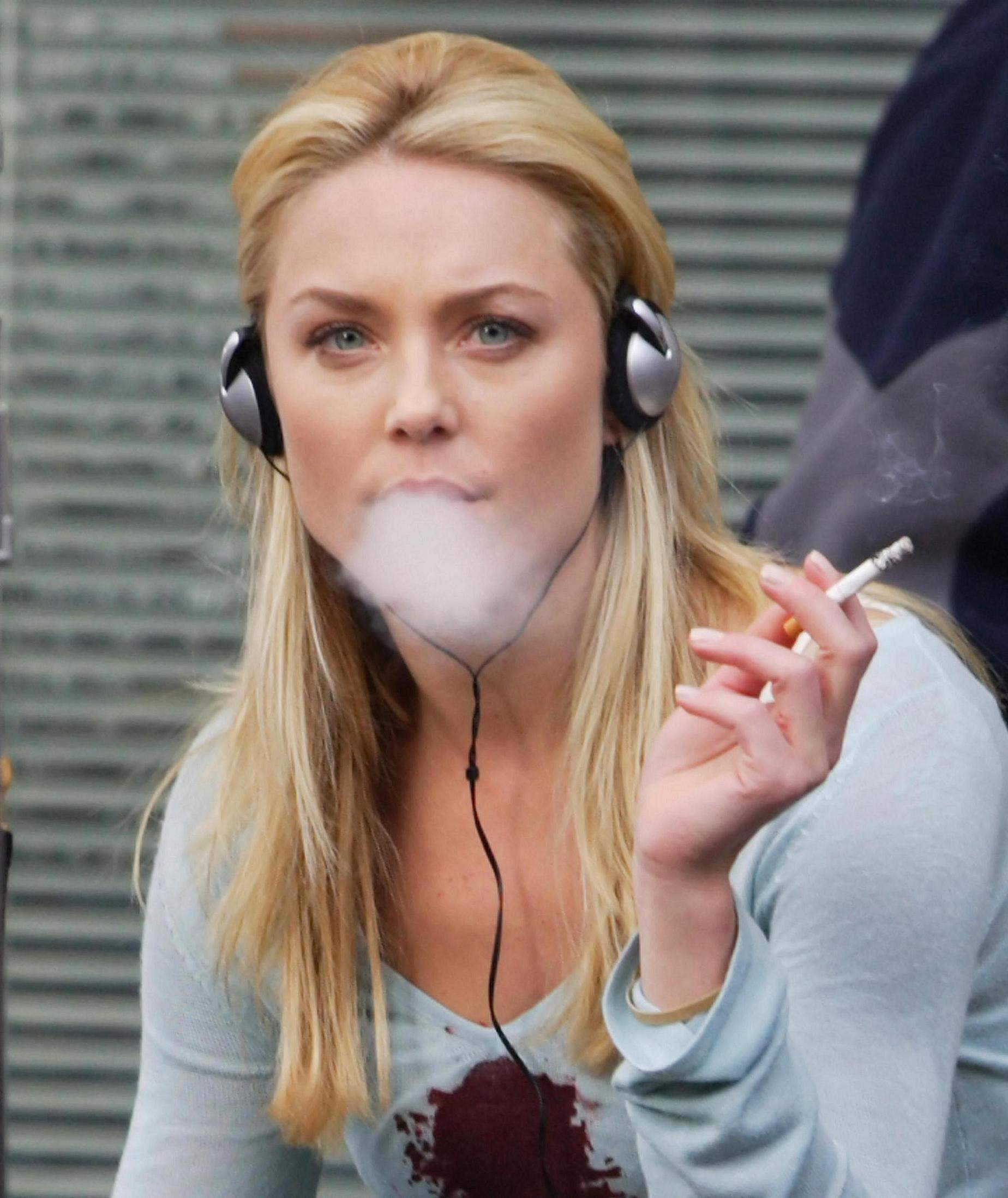dating someone smokes cigarettes One of the first signs that someone is smoking is the odor the smell of cigarette smoke clings to fabrics and hair you may also notice bad breath if someone is smoking cigarettes.