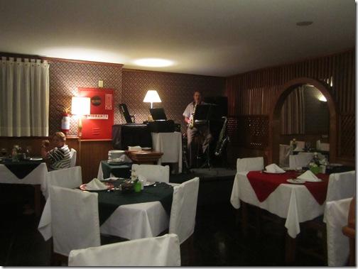 Saxofone Noite Italiana Hotel Bella Italia BlogTurFoz Foz do Iguaçu